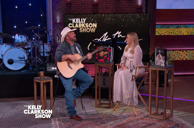 Kelly Clarkson Gets Emotional Over Garth Brooks' 'To Make You Feel My Love' Cover