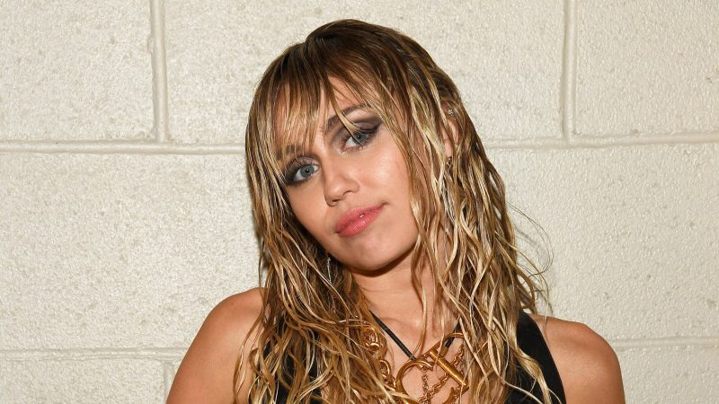 """How Miley Cyrus Achieved Her """"Modern Mullet"""" Haircut"""