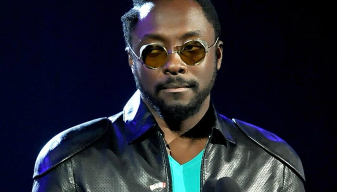 Black Eyed Peas frontman will.i.am met by police at Sydney airport