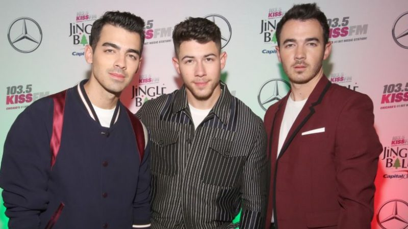 Jonas Brothers & Marshmello To Perform Poolside At Miami Beach For New Year's Eve 2020