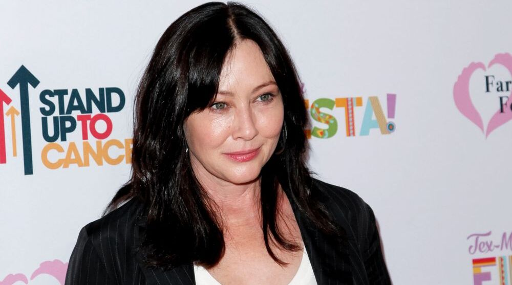 Shannen Doherty blames State Farm for being nearly 'evicted,' forced to sleep on mom's couch: court docs