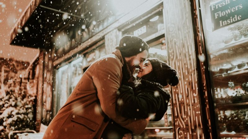 Hug Day 2020: Here's how you can celebrate this special day!